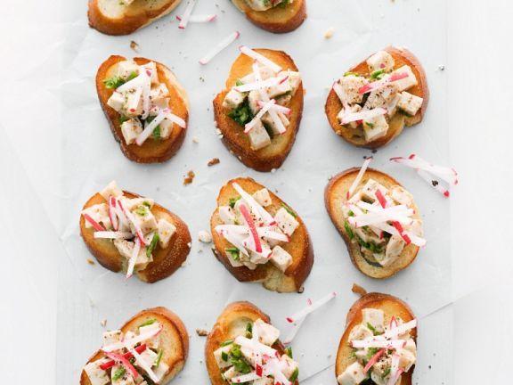 Röstbrot mit Weißwurstsalat ist ein Rezept mit frischen Zutaten aus der Kategorie Wurzelgemüse. Probieren Sie dieses und weitere Rezepte von EAT SMARTER!