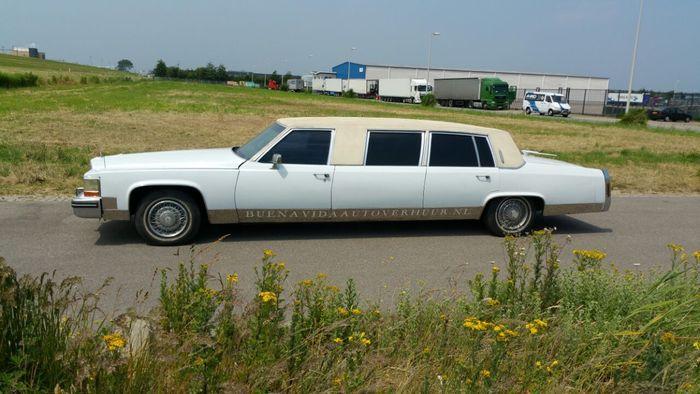 cadillac fleetwood brougham limousine 1985 train m tro avion pinterest avion. Black Bedroom Furniture Sets. Home Design Ideas