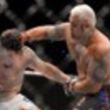 Mark Hunt KOs Frank Mir with one punch in UFC Brisbane #news