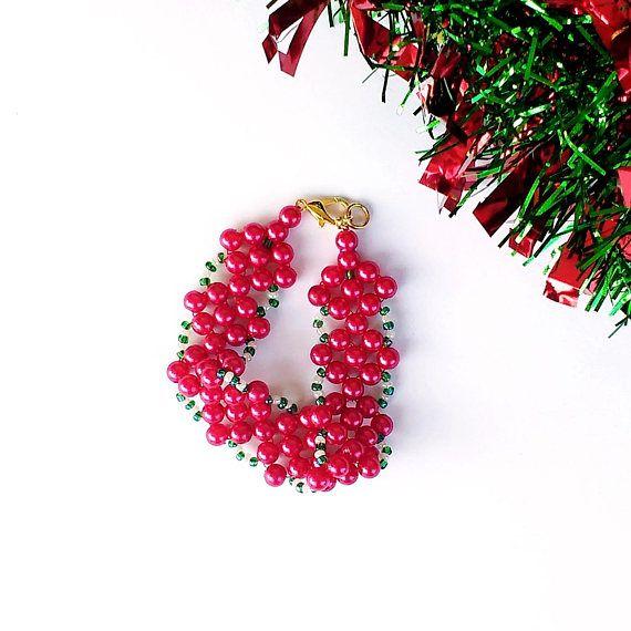Christmas Bead Bracelet, Tween Girl Size, Gift for Granddaughter, Daughter, Little Sister, Red, Green and White Seed Beading, Custom Length