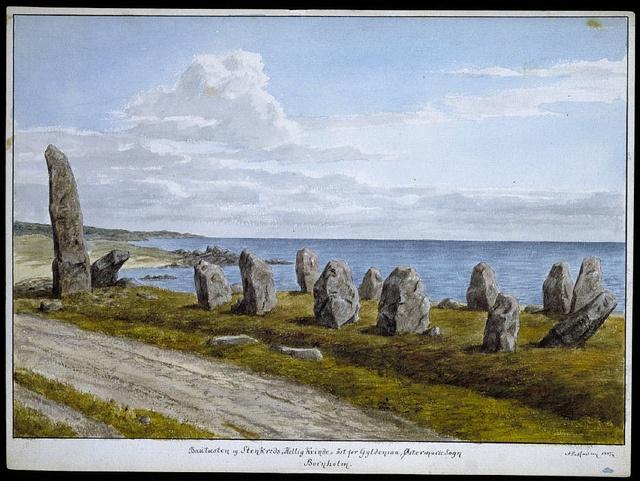 """Megalith in Bornholm Bautasten og stenkreds """"Hellig kvinde"""" på Bornholm"""