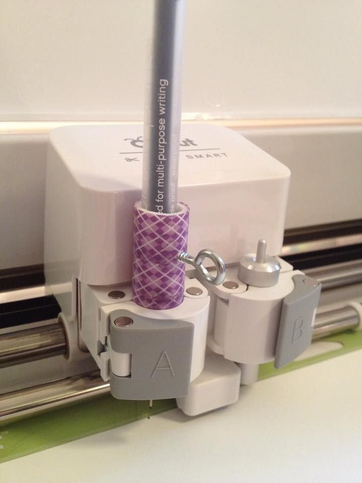 PVC pipe, washi tape and an eyelet screw = a pretty pen holder... (720×960)