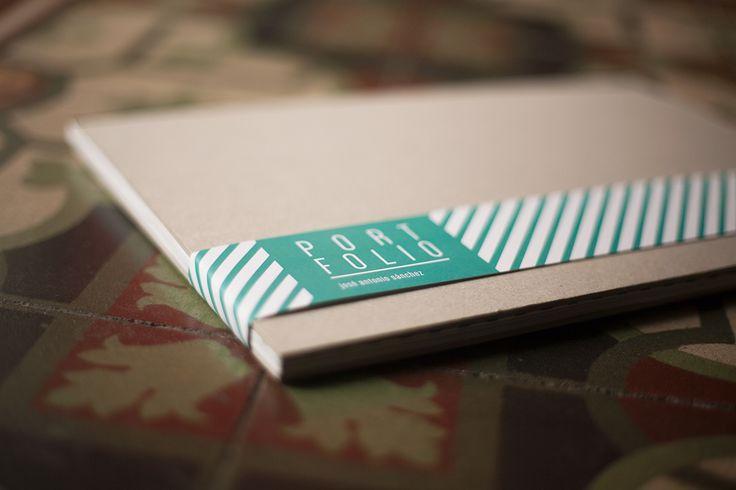 UM BELO EXEMPLO DE COMO UM DESIGNER DEVE APRESENTAR SEU PORTFÓLIO -  portfolio do designer espanhol José Antonio Sánchez