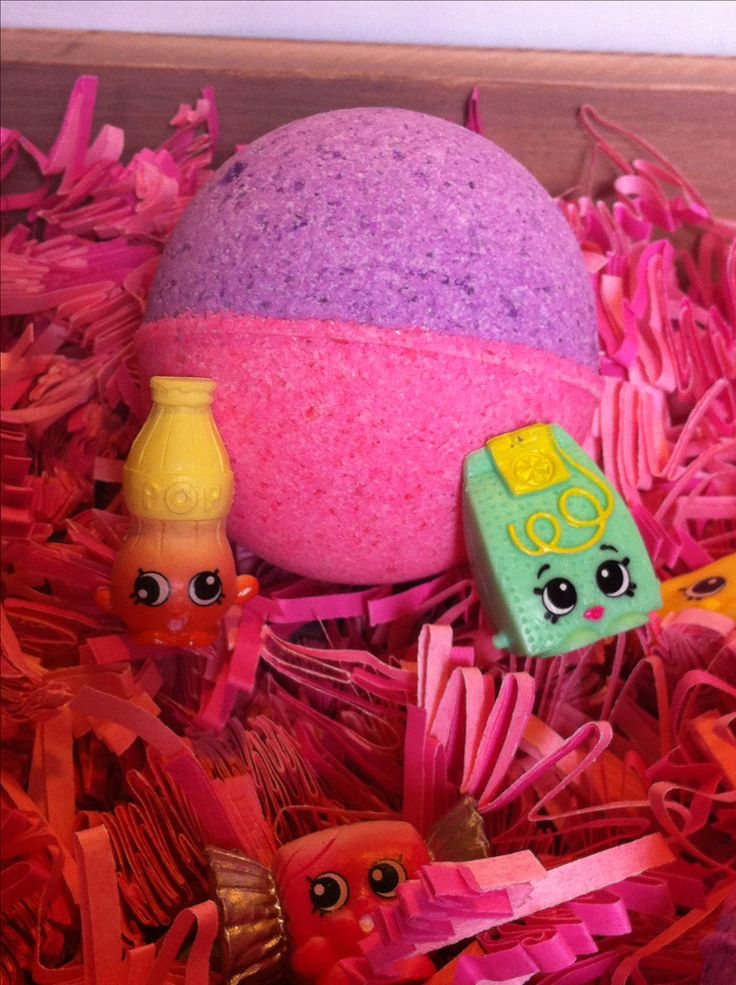This is the perfect gift for the Shopkins lover in your life. Each bomb comes with a  surprise shopkin inside!