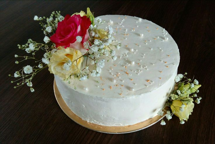 Flower butter cream cake
