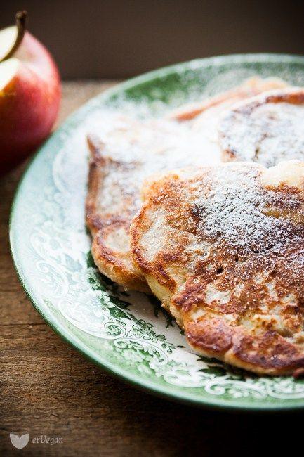 Idealne racuchy z jabłkami – bez jajek | erVegan - kuchnia roślinna