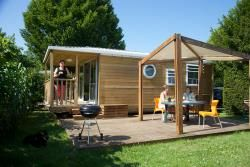 Camping le paradis in leon vezere Super speeltuin Ruim met gras Bijv Cottage Belle Vue