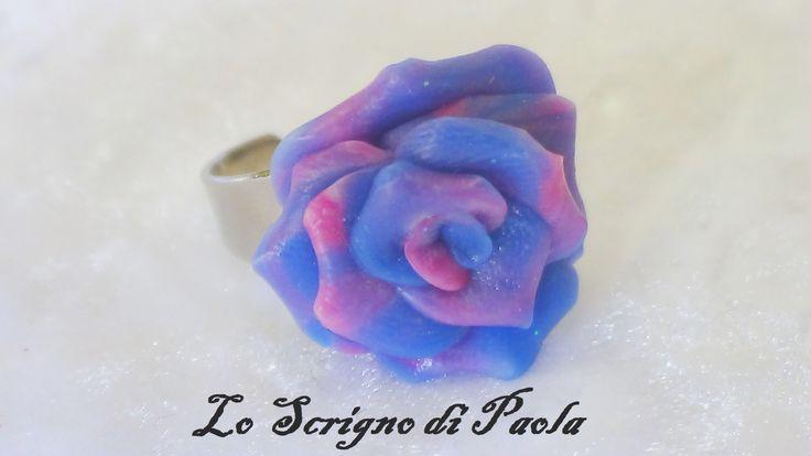 Anello in pasta di mais con effetto marmorizzato blu e rosa. Realizzato a mano.Per altre creazioni potete visitare il mio blog: http://creazionibijouxpaola.altervista.org
