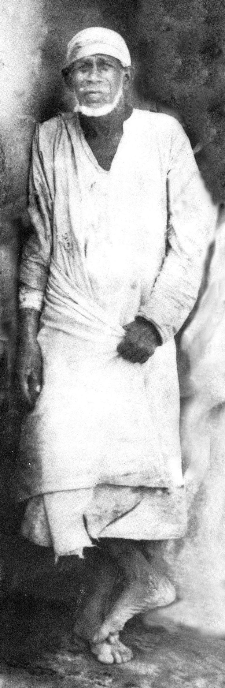 Most of Shirdi Sai Baba Real Photos : Original Pictures in High Resolution. Excellent collection.