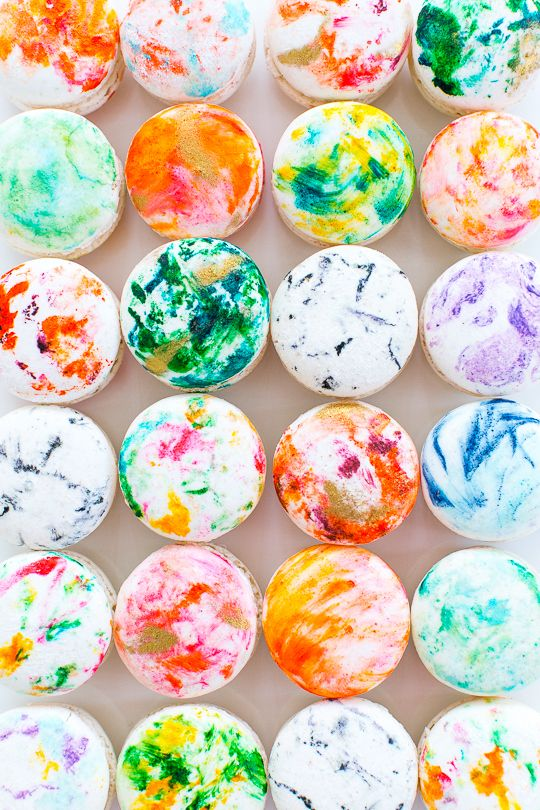Delicious and colorful marbled macaron recipe. Yum!