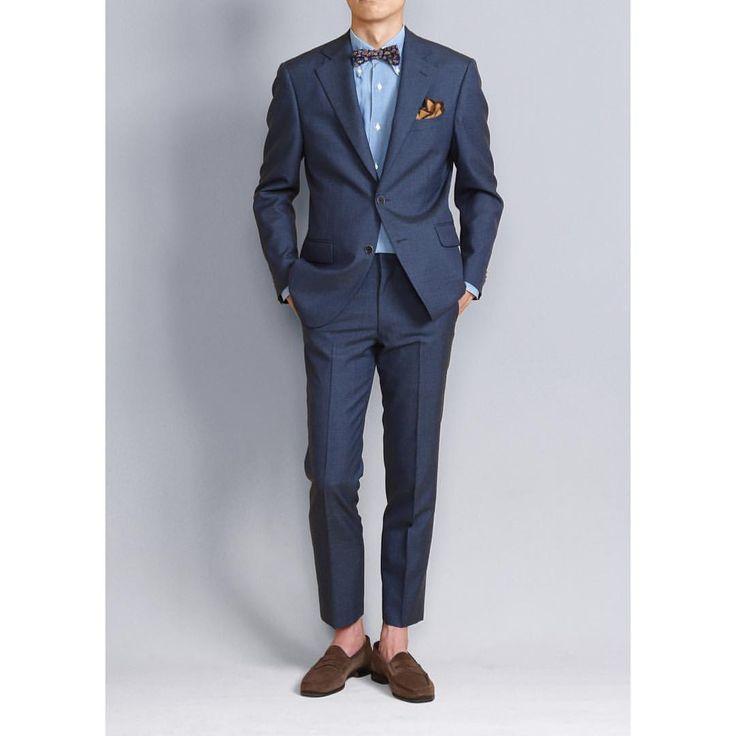 インディゴ染めのウールで仕立てトレンドを意識したこちらはアウトドアでのウエディングにオススメです!靴をスニーカーに変えればより可愛らしくなりそうです。 式後はそのままカジュアルに着てもいいですね #asteir #thegents #thegentstokyo #wedding #tuxedo #formalwear #groom #madeinjapan #mensfashion #menwithclass #menwithco #menwithstyle #gq #新郎 #新郎衣装 #新郎タキシード #オーダーメード #プレ花嫁 #プレ花婿 #結婚式ゲスト #結婚式主役 #ウェディングドレス #東京 #オーダーメイド #タキシード #フリープランナー
