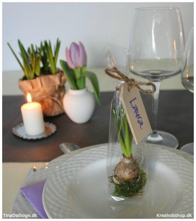 Gave til hver gæst - cellofanpose til festlig og anderledes bordpynt og bordkort - materialer fra kreahobshop.dk