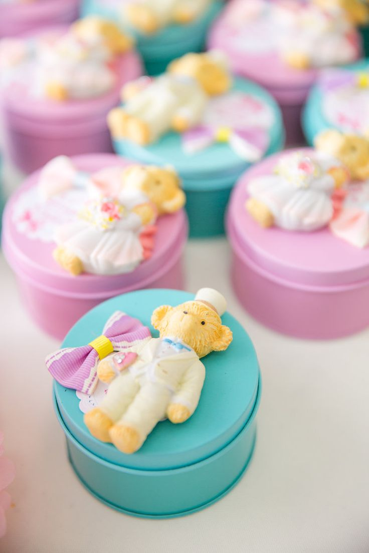 Teddy bear boxes as wedding favours