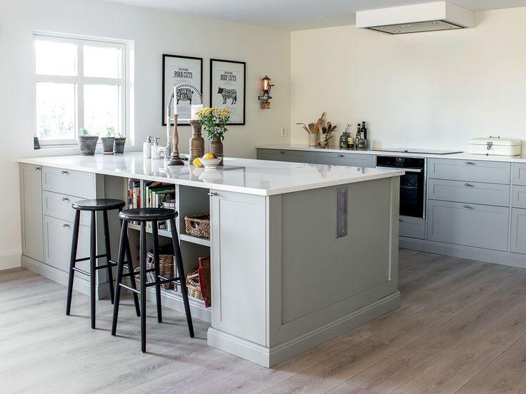 Ekte Interiør ønsket seg et klassisk og tidløst, men samtidig slitesterkt gulv på kjøkkenet. #flisekompaniet