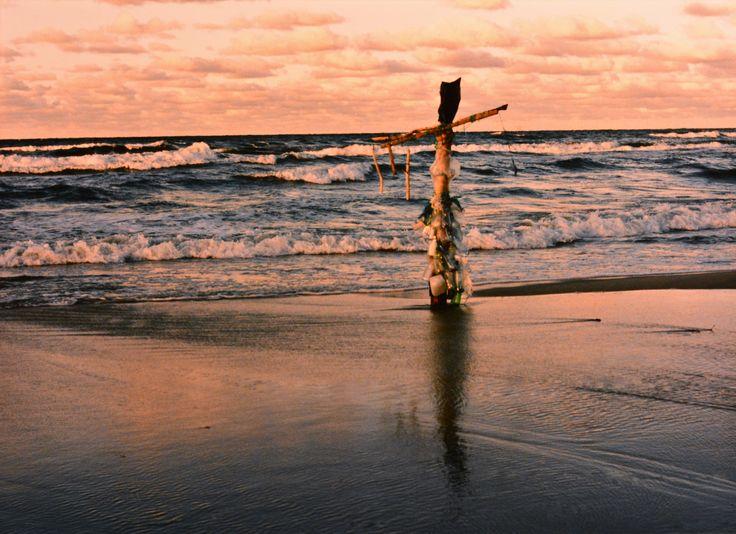 "Yury Ermolenko, ""BLACK PRINCESS"" (Land art project ""Baltic - Hel""), 2003, Hel Peninsula, Baltic Sea, Poland #YuryErmolenko #юрийермоленко #ЮрийЕрмоленко #yuryermolenko #юрiйєрмоленко #ЮрiйЄрмоленко #юрийермоленкохудожник #landart #balticsea #sea #sky #amazing #RapanStudio #photo #photography #metaphysics #metaphysical #philosophy #installation #лэндарт #инсталляция #art #contemporaryart #modernart #magic #texture #лэндарт #poland #hel #helpeninsula #artproject #искусство #creative"