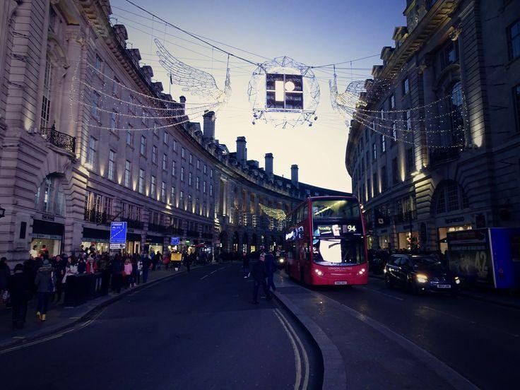 Christmas Time in London  ©️DANIEL'S WEBSITE PRESENTS
