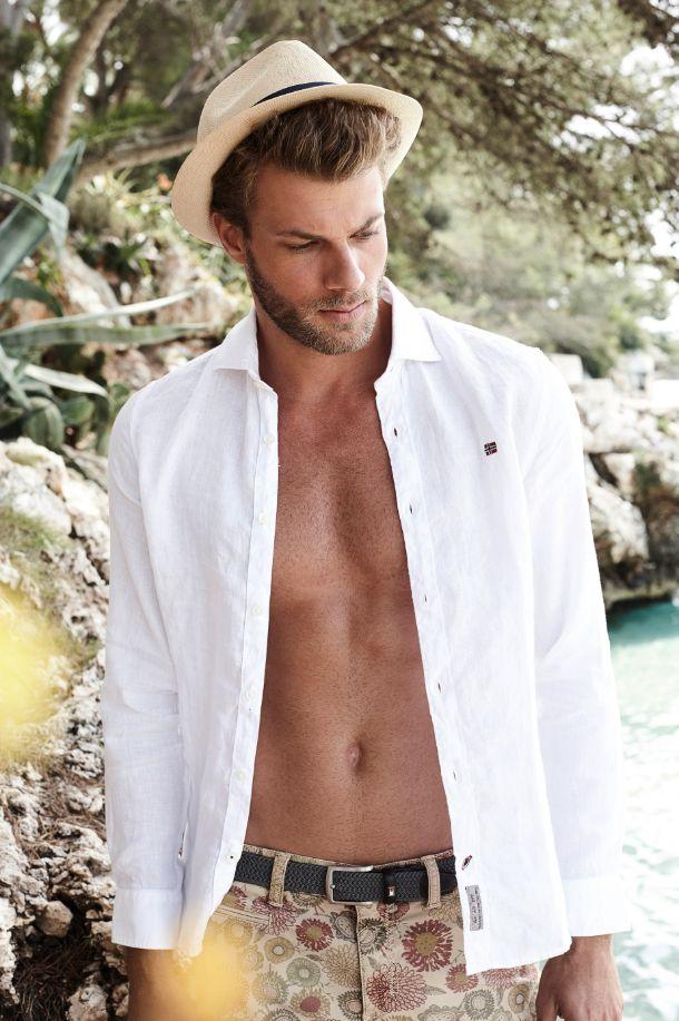 LUST AUF MEER mit #Sommermode für #Herren bei #Reischmann: #sommer #shorts #meer #bermudas #hemd #mallorca #fashion # #menswear #sommer2016