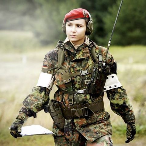 A German Woman soldier part of an artillery practice. #germany #german #woman #lady #military #heer #duestchland #artillery #army #bundeswehr by wachter.lambret
