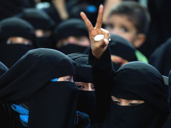 For the first time in the country's history, women in !!!!!Saudi Arabia have been given the right to vote!!!!!! New Zealand was first in 1893. U.S in 1920. Portugal in 1968. Qatar in 1999.