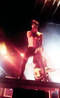 When @chloebridge10 introduces you to Brallon and has ruined your life even more with gifs like this xD