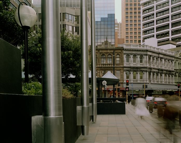PhotoForum: image - Images from Public Spaces/ Personal Views 26_bnz_plaza.jpg - Murray Hedwig