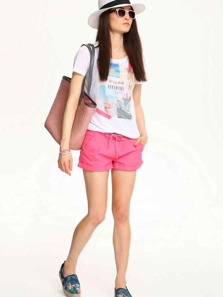 Pantaloni Scurti Top Secret Beach Dream Pink. Pantaloni scurti, de vara, din bumbac neelastic. Au buzunare in spate si in fata, si se inchide…