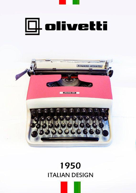 OLIVETTI PLUMA22  Vintage Typewriter Olivetti  by ElGranero, €200.00