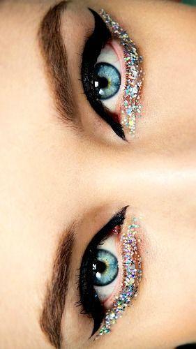 Glittery CatEyes in Motives Gel Eyeliner(Little Black Dress) and Glitter Pots(Celebrate)!   #Celebration #Dress #Cat