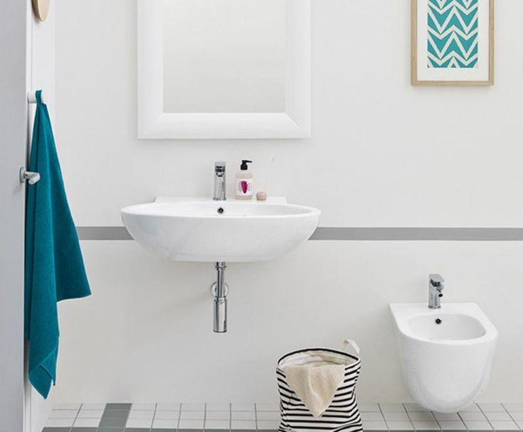 File 2.0, design Meneghello Paolelli Associati. Sanitari a terra, accessori bagno / Back to wall sanitaries and bathroom accessories. #bathroom #design #bagno #arredo