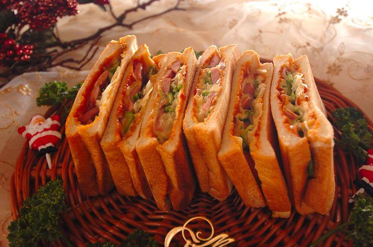 人気のピザも、ホットサンドならつまみやすい!ピザ風ホットサンド/杉本 亜希子のレシピ。[パン/食パン]2010.11.22公開のレシピです。