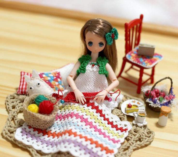Doll - Picconeemo Miniature crochet blanket, and crochet fillow and others