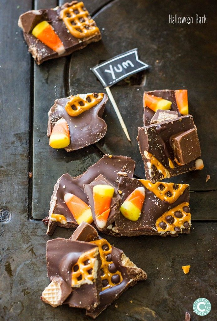 Halloween Bark- this only takes 5 minutes to make and is SO delicious!