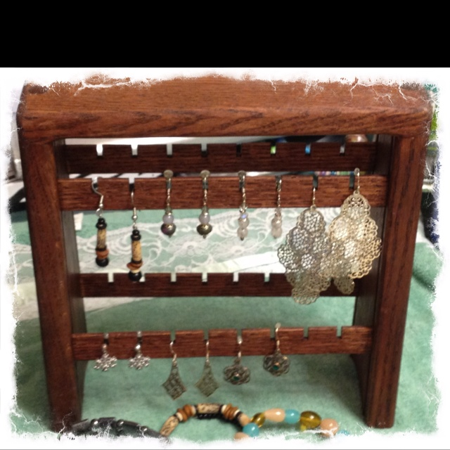Earring holder made by paragonwoodgifts.com
