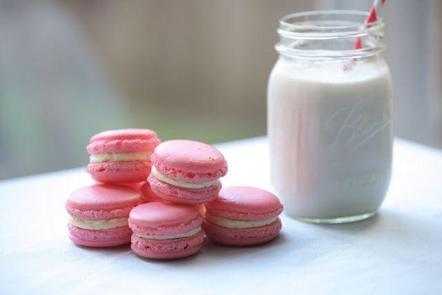 Pixie Crust: Vanilla French Macarons
