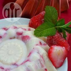 Gelatina de tres leches con fresas frescas @ allrecipes.com.mx