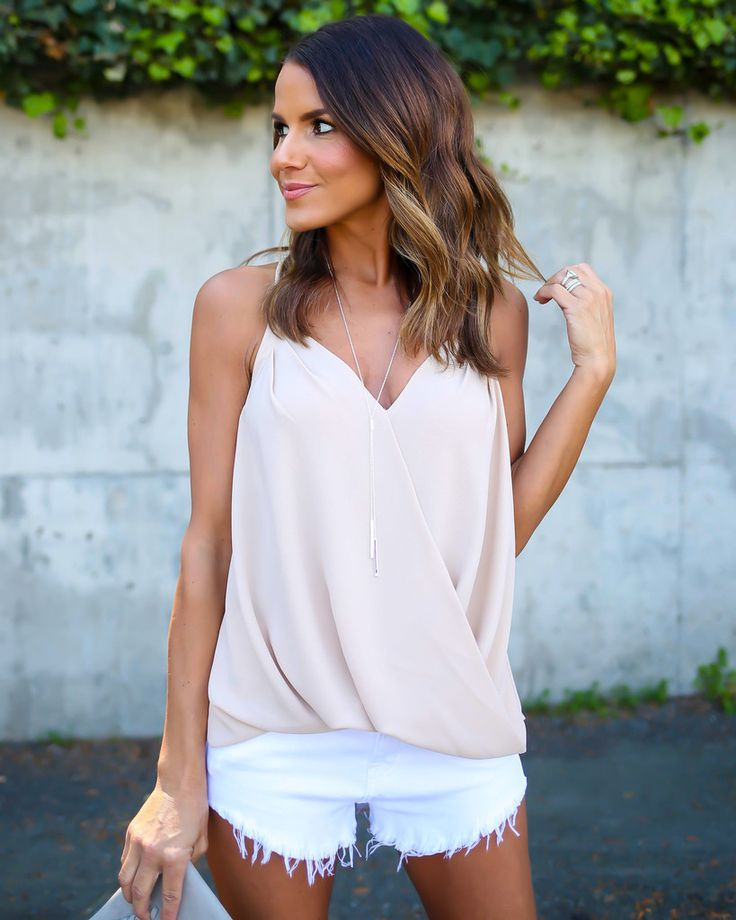 This great work to weekend top has thin straps and a sew front closure. Fully…