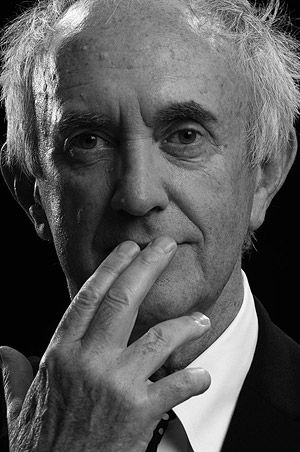Jonathan Pryce (1947) is a Welsh actor and singer. Critically lauded for his versatility, Pryce has participated in big-budget films such as Evita, Tomorrow Never Dies, Pirates of the Caribbean and The New World, GI Joe: The Rise of Cobra, GI Joe: Retaliation as well as independent films such as Glengarry Glen Ross and Carrington. His career in theatre has also been prolific, and he has won two Tony Awards.