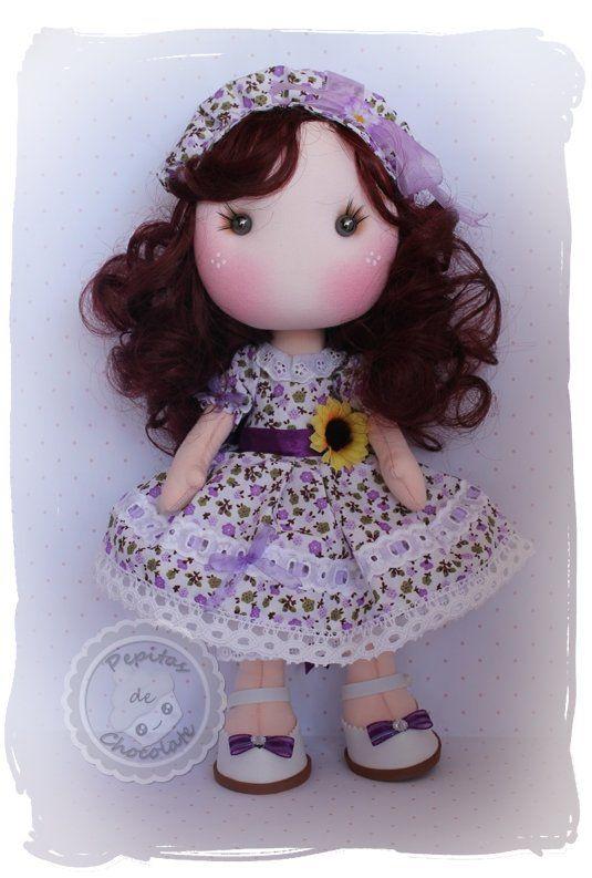 De nuevo, otro vídeo Tutorial completo con el paso a paso para hacer esta preciosa muñeca. Tutorial desde cero hasta la terminación completa de la muñeca, con detalles complementos ect. Bastante co…