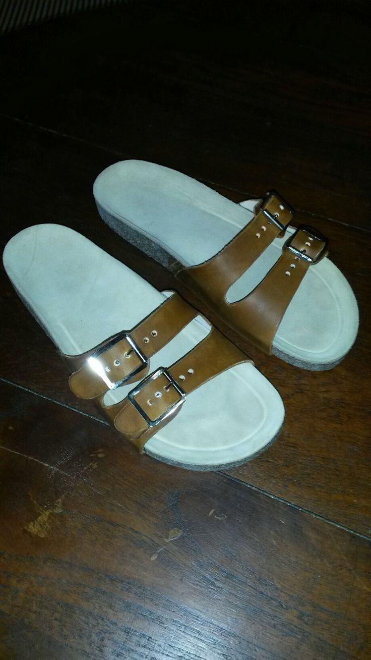 Leather 2 buckle sandal