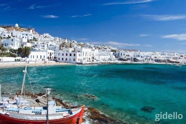 Eğlence adası Mykonos' ta eşsiz bir tatile ne dersiniz? Enfes Akdeniz havasını içinize çekerken; ünlü gece hayatı ve muhteşem plajlarıyla, Mykonos sizi büyüleyecek!