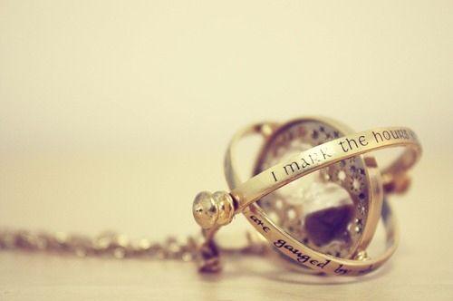 Time turner necklace :)