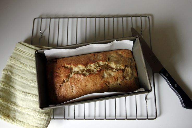 How To Make A Healthy Banana Bread | OrganicLife | It may be a throwback, but this fruit-based treat is classic comfort food everyone craves for good. reason.