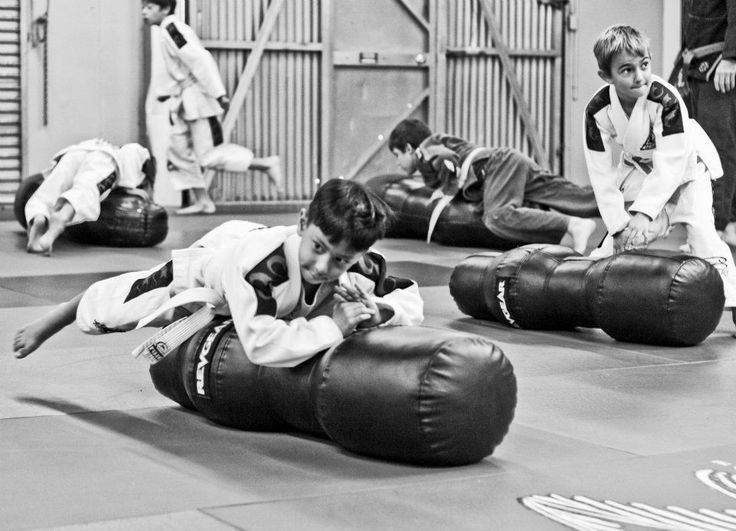 """The """"Wrestling in the Cage"""" class is designed for all skill levels, from beginners to more experienced wrestlers.  The classes are catered  to the experience level of the individual participants.   The emphasis of the class is on take downs specific to folkstyle, freestyle & Greco Roman Wrestling.      Where wrestling ends, Jiu-Jitsu begins.    Crispim BJJ Barra Brothers Pleasanton, CA"""