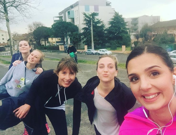 Les runneuses under the rain #run #running #courir #courseapieds #instarun #runoftheday #friends #copines #toulouse #nike #rain #cardio #sport by thepreci0us