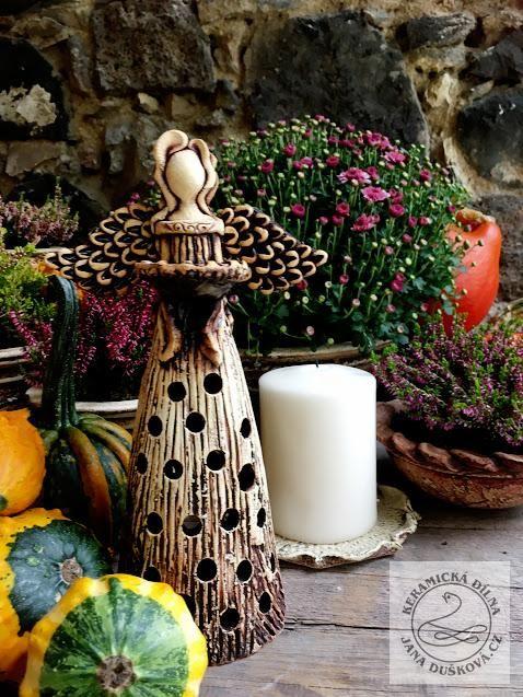 Andělské světlo,ručně modelovaný keramický svícen.