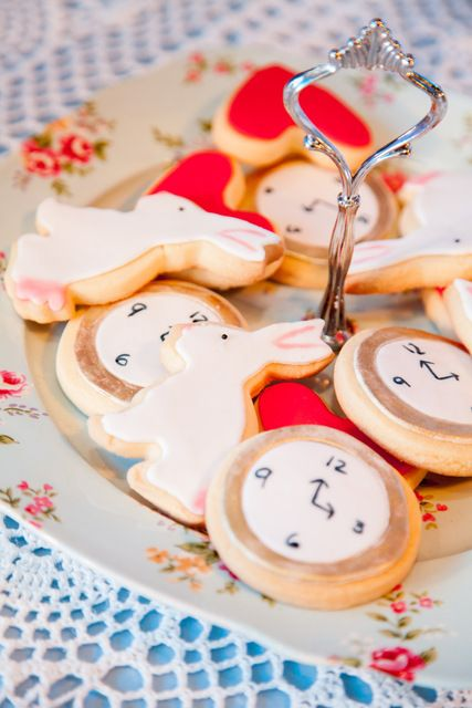 Cute cookies at a Alice in Wonderland Party #aliceinwonderland #partycookies