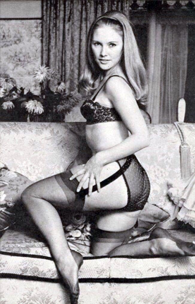 Nylon stockings 50s foot fetish lady cheyenne de muriel - 2 part 3