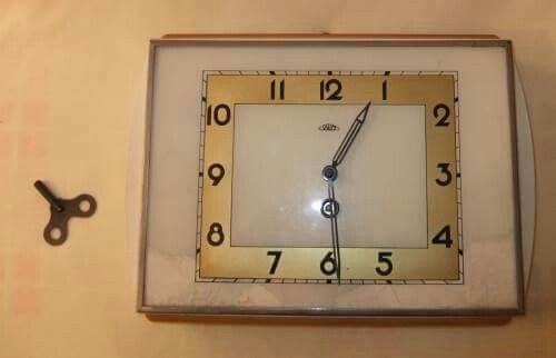 kuchynské hodiny na kľúčik