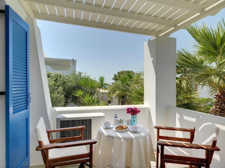 View to the lush green garden! #AloniParos