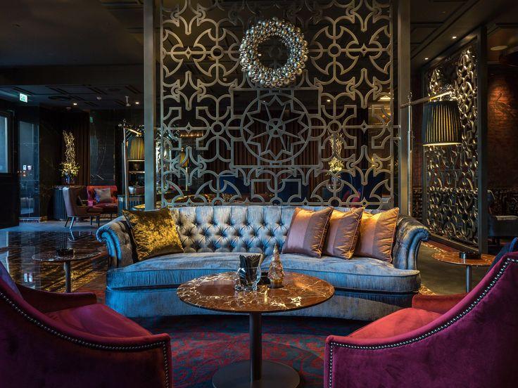 Phased refurbishment while in operation of Majid Al Futtaim's flagship hotel asset, the 5* Kempinski Hotel - Bar & lounge